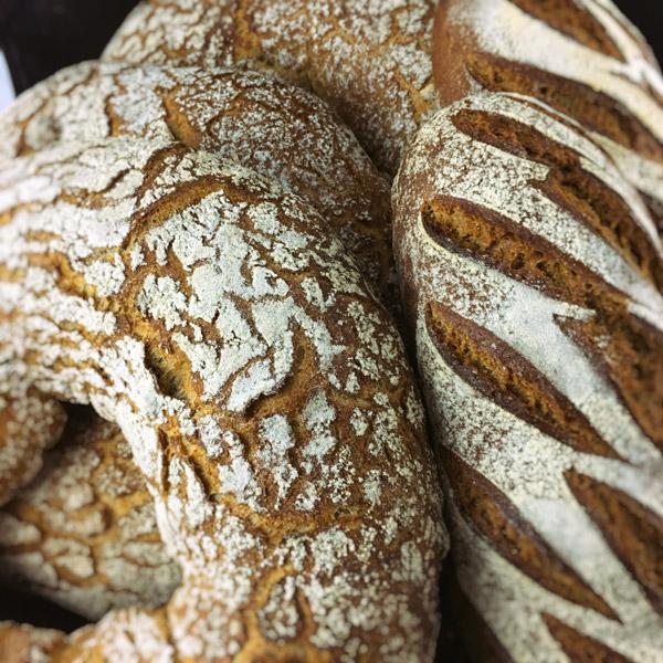 Goûtez nos délicieux pains artisanaux ...